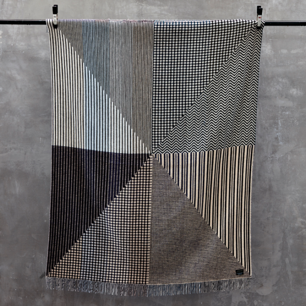 margo-selby-kozo-wool-throw-lifestyle_3_lr