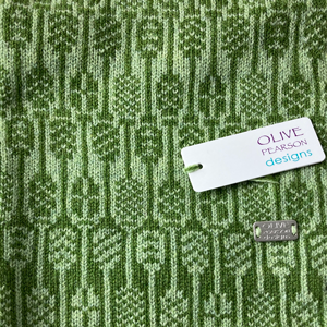 Olive Pearson Lambswool Cowl Green Detail